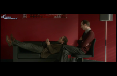 """Scena tratta dal film """"Un tirchio quasi perfetto"""" sull'ascolto: mi fa stare meglio sentirlo"""